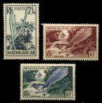 Мадагаскар 1954 г. • Iv# 322-4 • 7,8 и 15 fr. • Флора и фауна острова • MNH OG VF* • полн. серия ( кат.- €6 )